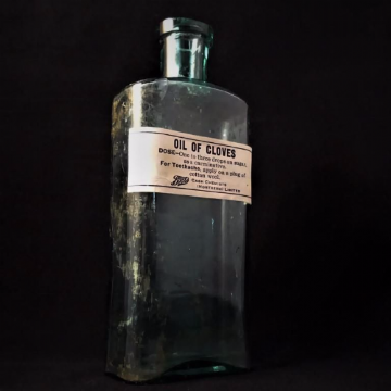 Oil of Cloves Vintage Boots Chemist Bottle